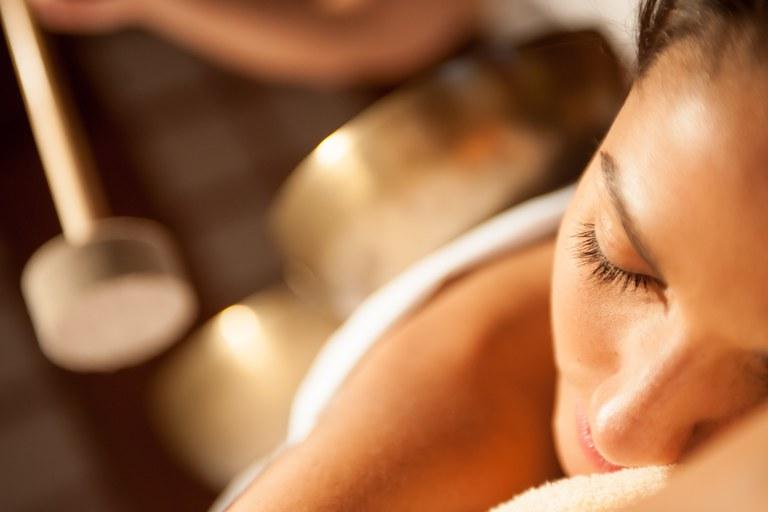 AQUA DOME_Beauty_Treatment Klangschalen.jpg